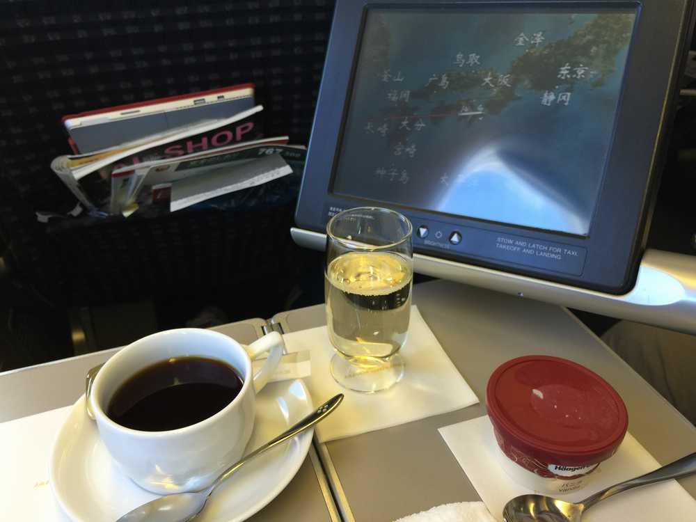 JAL876ビジネスクラスの機内食(デザート)画像