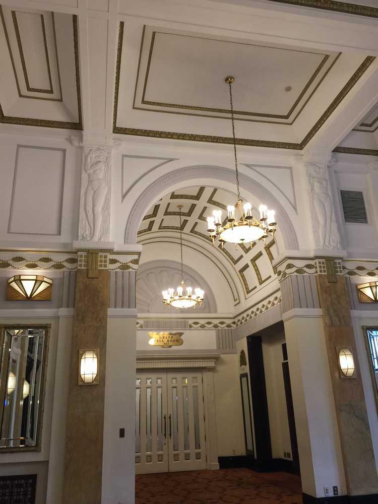 オークラガーデンホテル上海のフランス租界時代の柱・レリーフ画像
